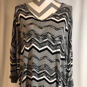 EUC Lane Bryant Black/White Chevron Sweater